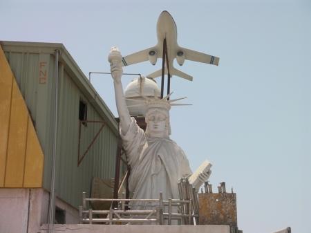 close up of statue of liberty replica