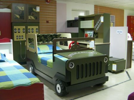 bed shaped like an army jeep