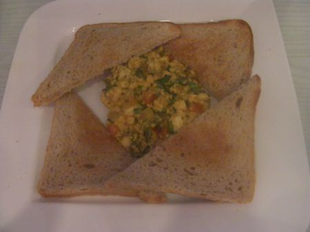 toast and scrambled paneer