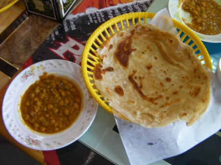 flat bread and chick pea curry