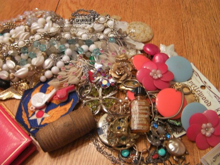 jumbled pile of jewelry
