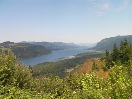 view of the Columbia River from Crown Point