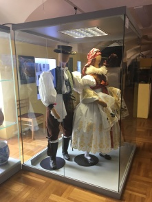 two mannequins with Moravian costumes